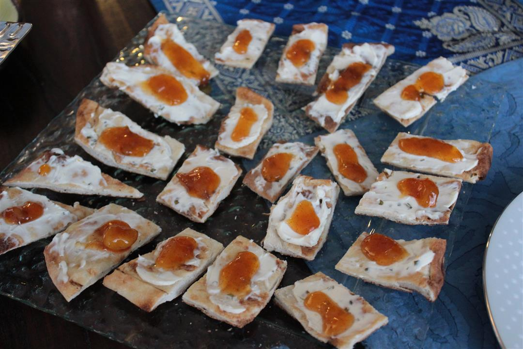 Mango chutney and cheese crostini