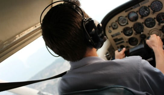 Flying Over Toronto with Island Air Flight School