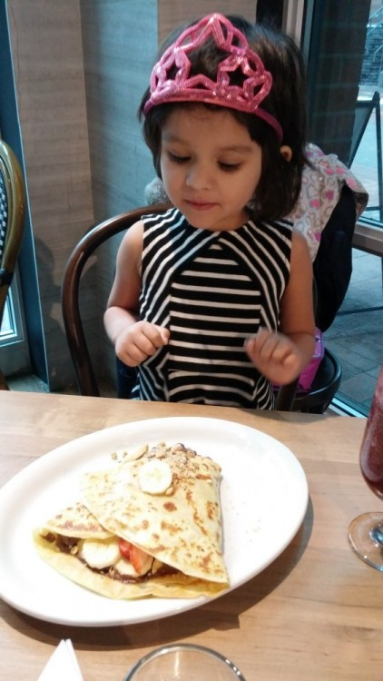 crepe and co, eating out with baby, toronto eating with baby