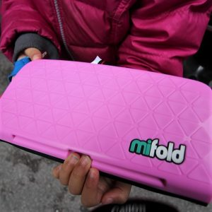 mifold – Smallest Booster Seat | Giveaway