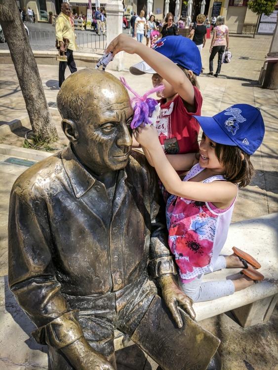 Pablo Picasso Statue