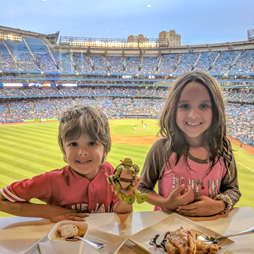 Kids at Sportsnet Grill