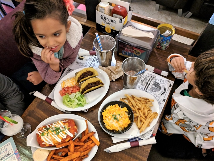 dining in Ottawa with kids