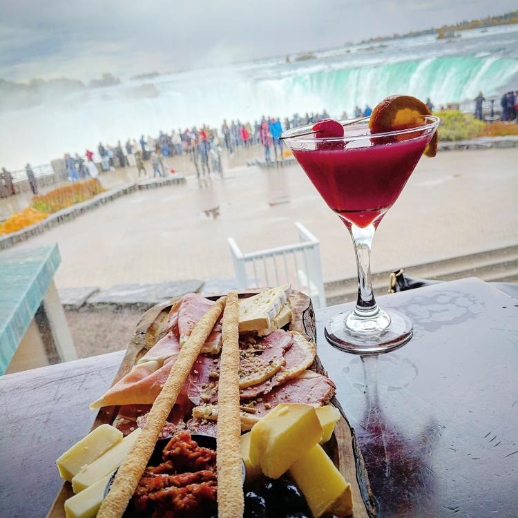 drinks in Niagara Falls