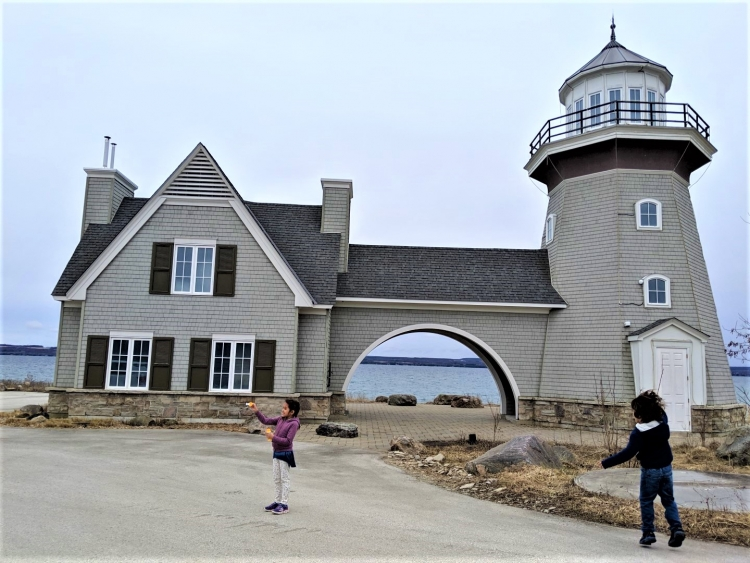 cobble beach resort, where to stay in ontario with kids, large family travel ontario
