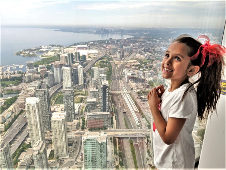 things to do in Toronto. Toornto CN Tower views with kids