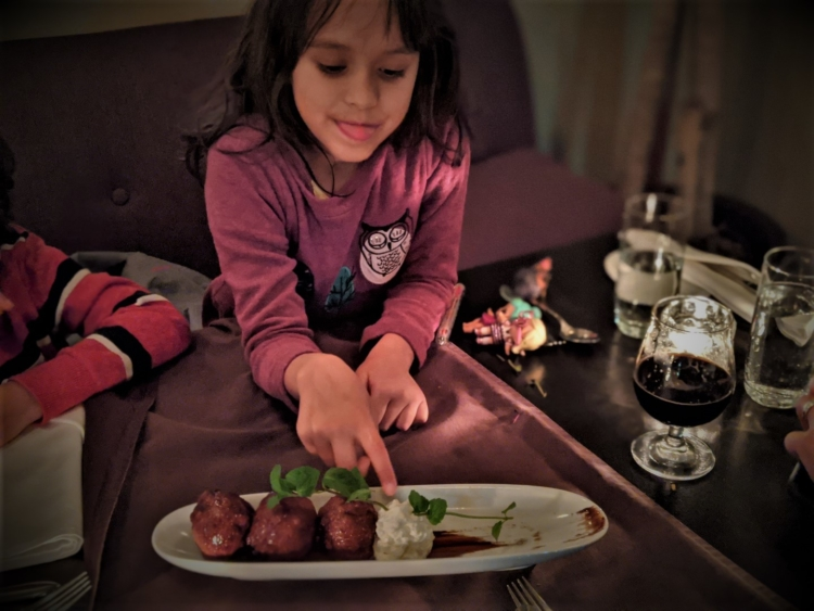 where to eat in montreal with kids