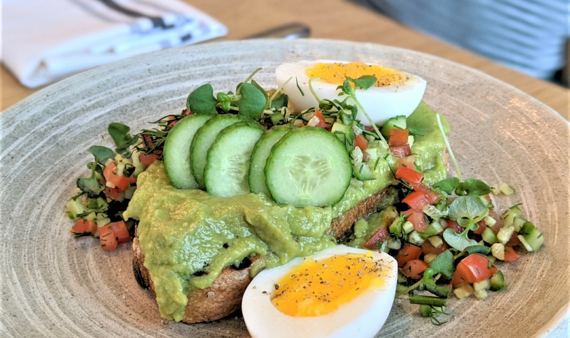 Avocado toast laval