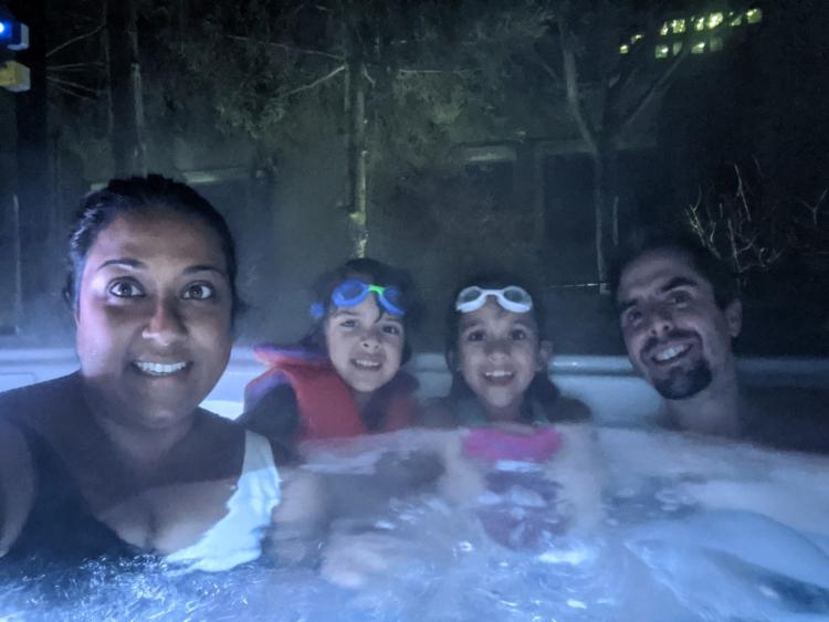 Hotel bonaventure montreal outdoor pool with kids winter
