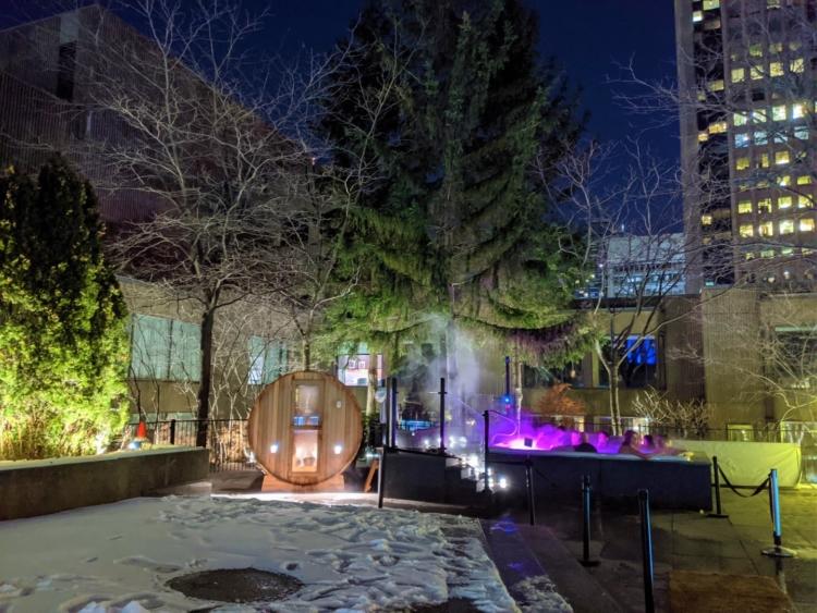Hotel bonaventure montreal outdoor pool