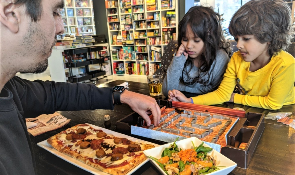 where to eat in Laval with kids