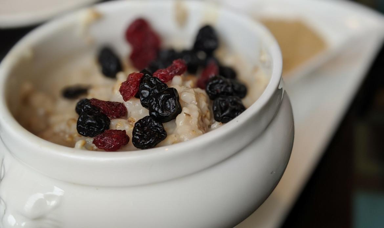 Dairy free oatmeal breakfast hotel Ottawa