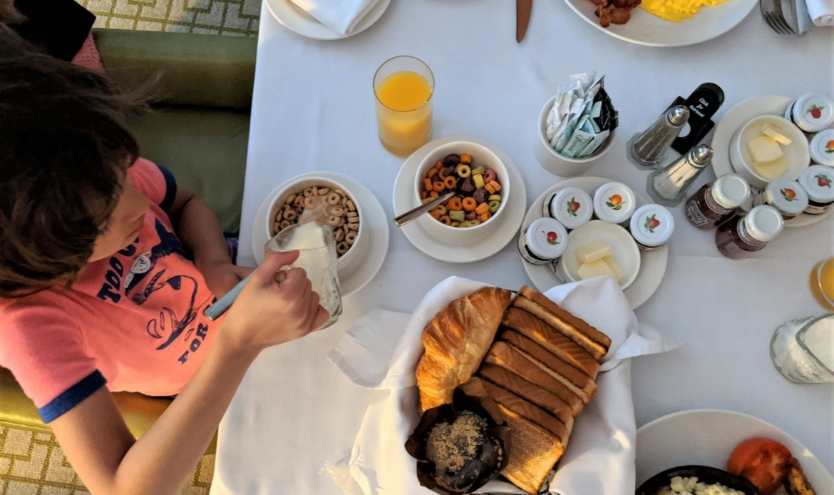 cereal for breakfast at hotel with kids