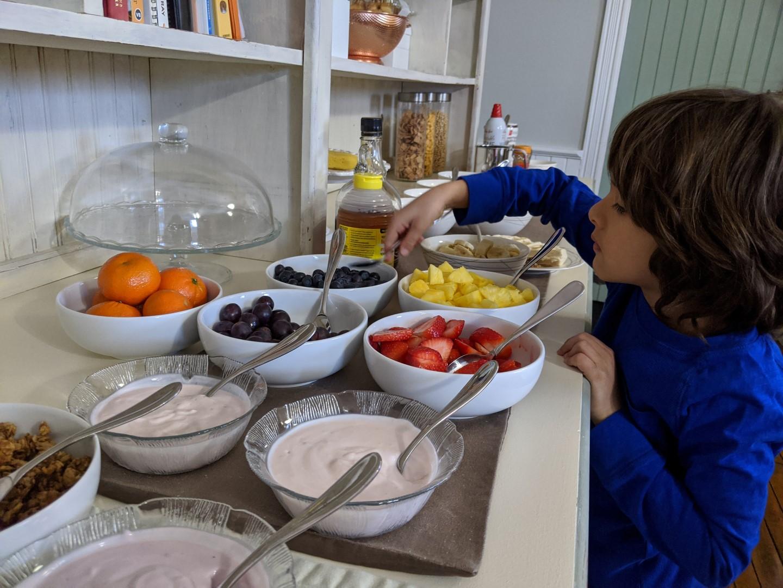 breakfast at rockyn inn b&B
