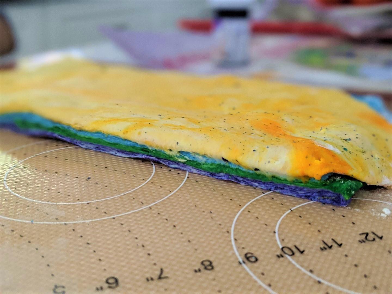 making rainbow bagels at home