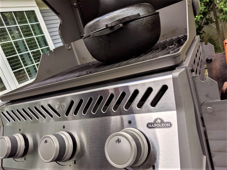 PEach cake on grill