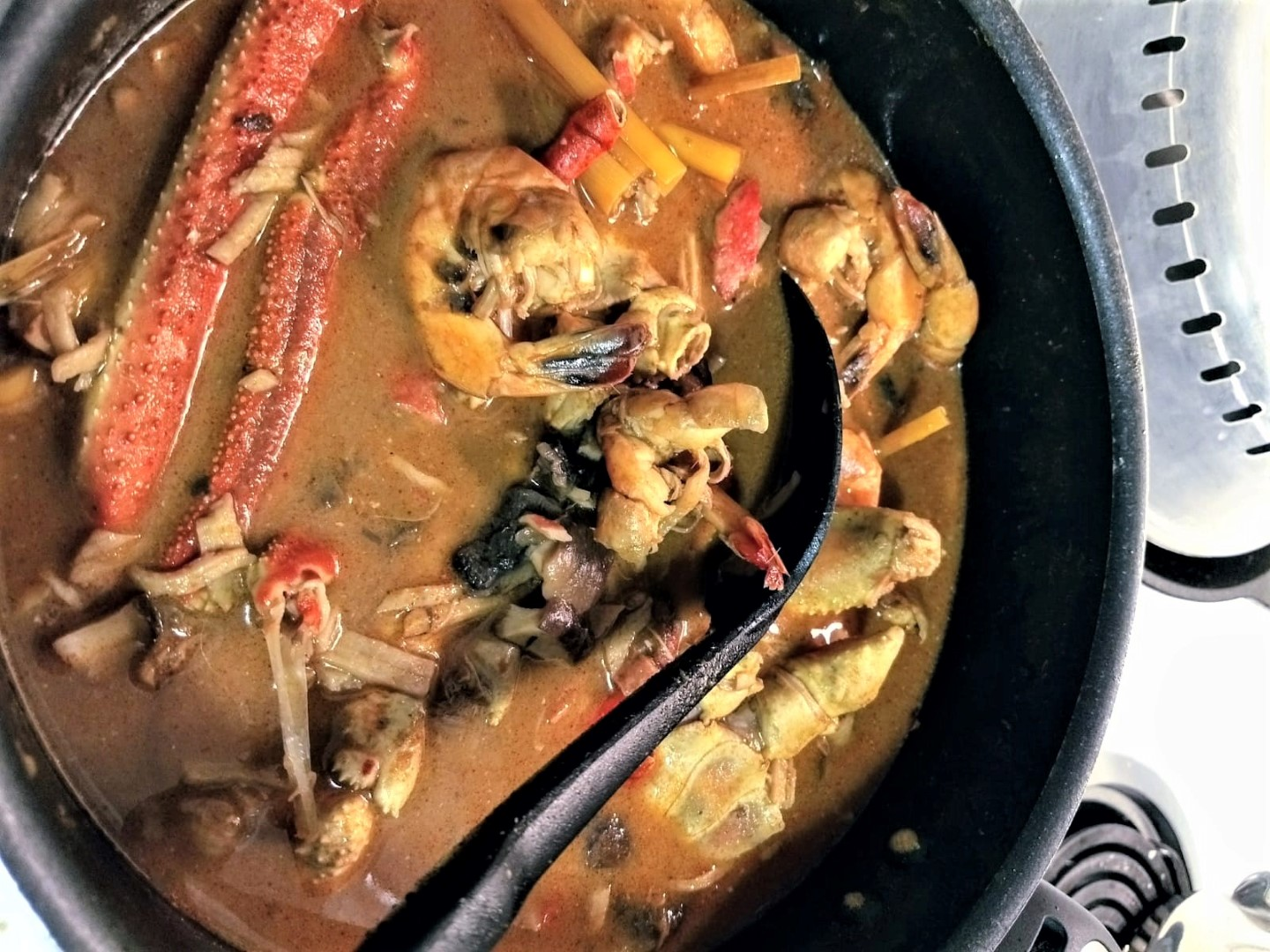 traditional home cooked crab curry