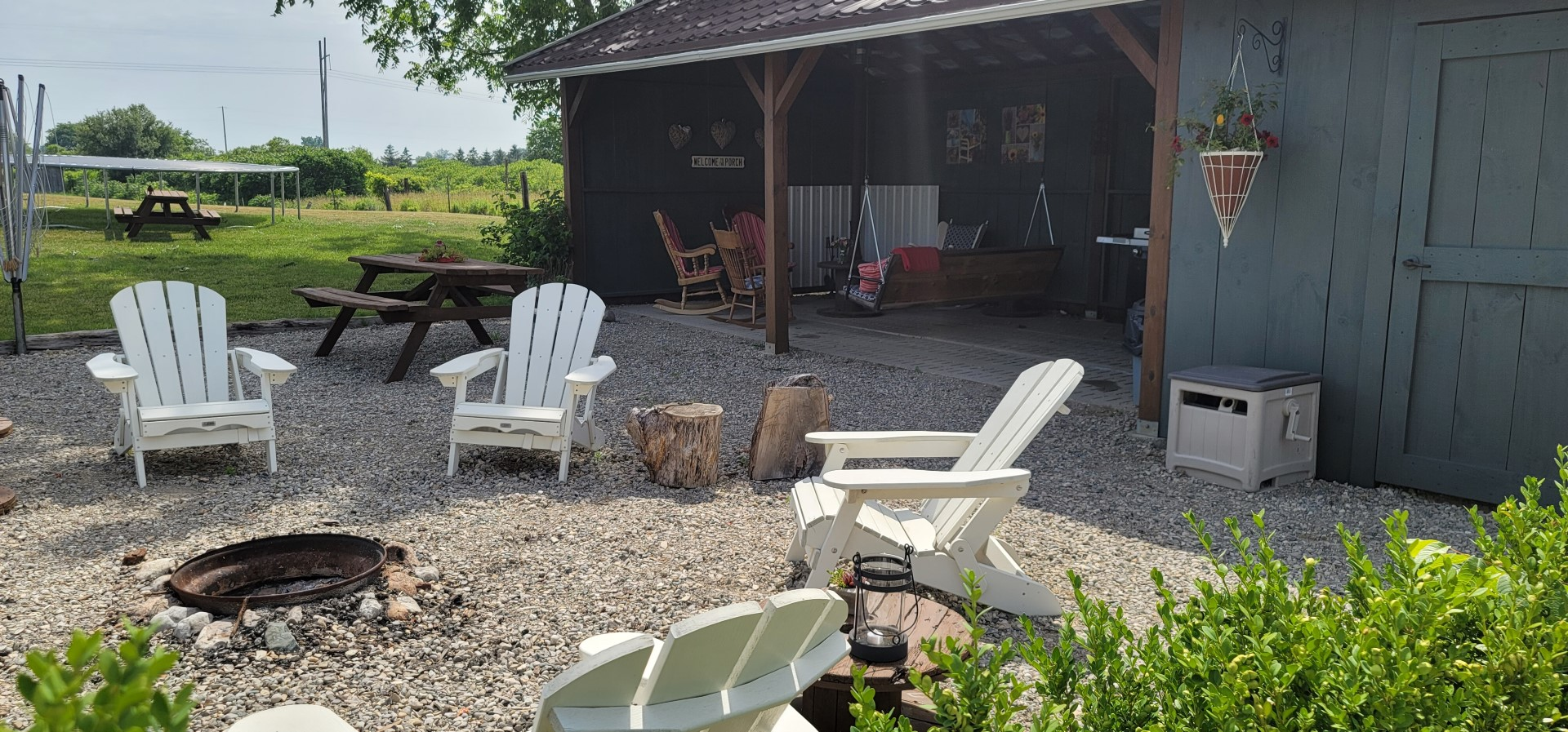 patio area around fire pit