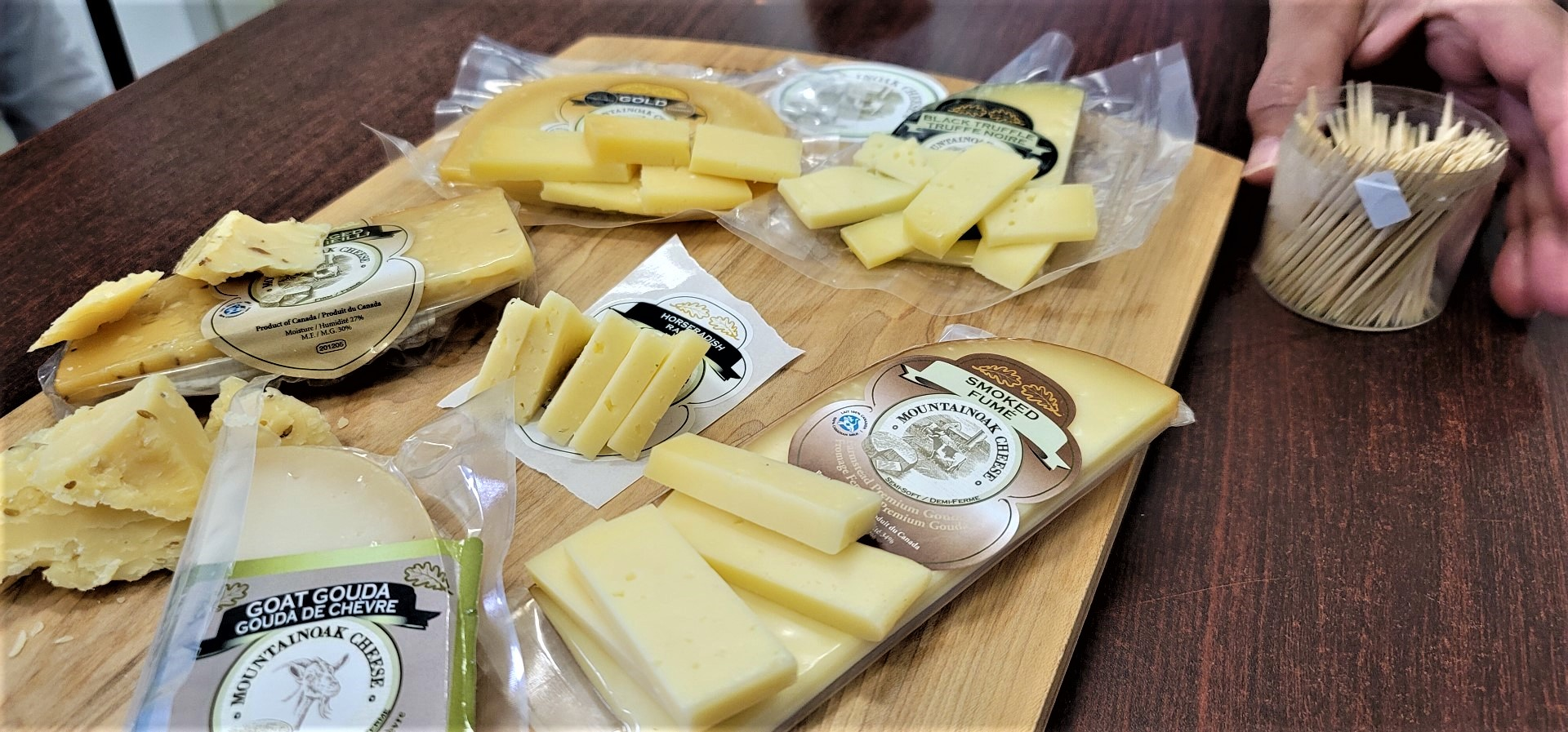 Mountain oak Cheese samples