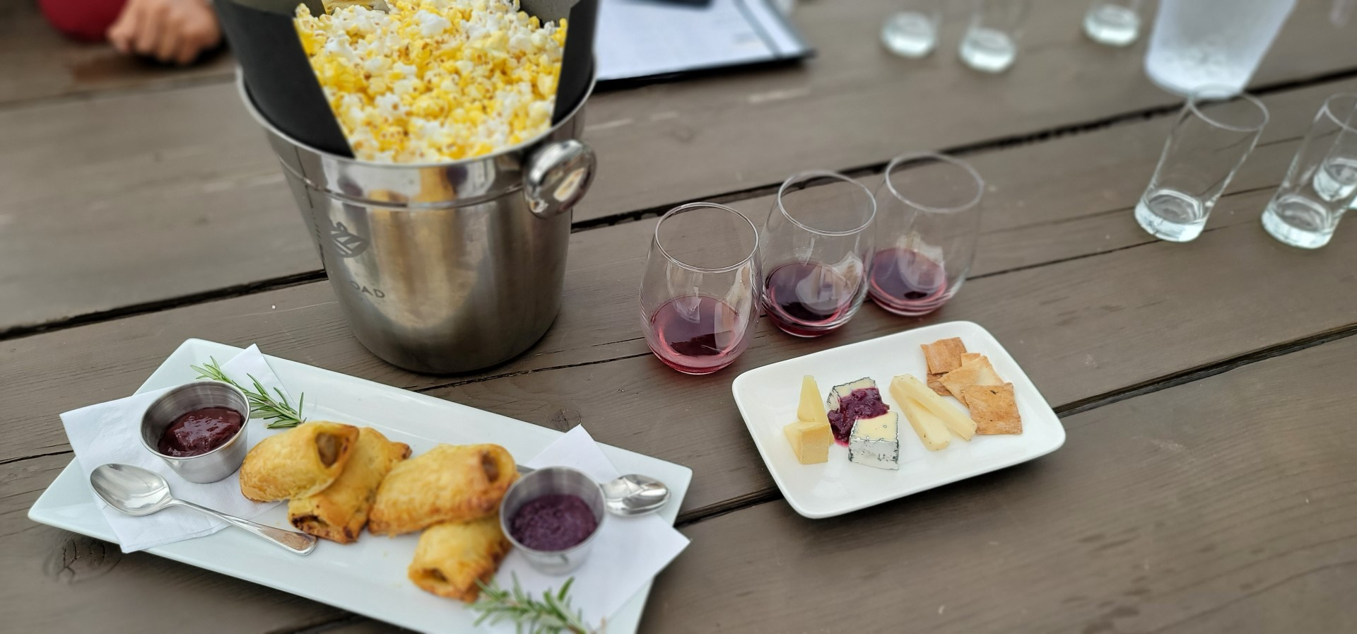 wine pairing at Blueberry Hill Estates