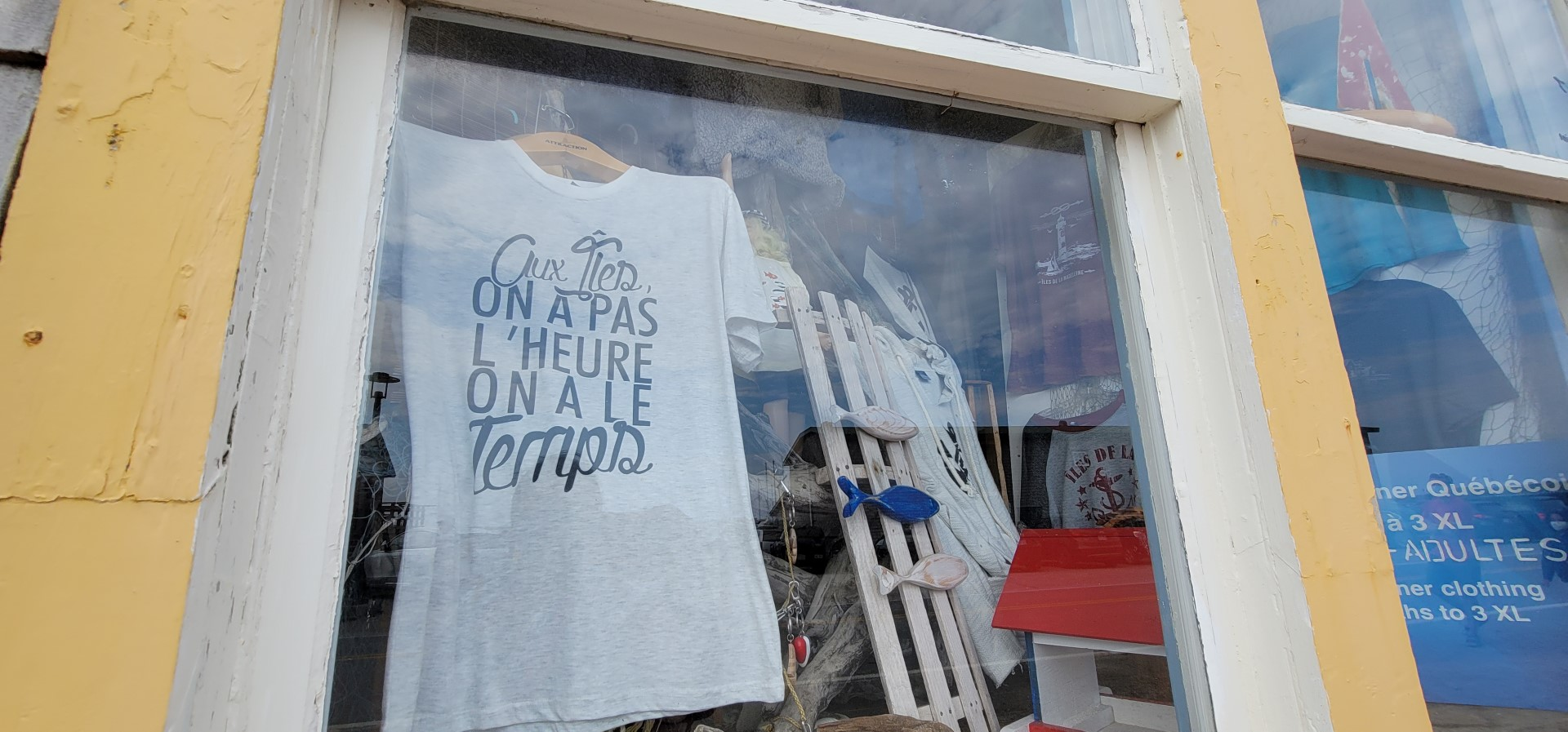 t shirt in window at La Grave