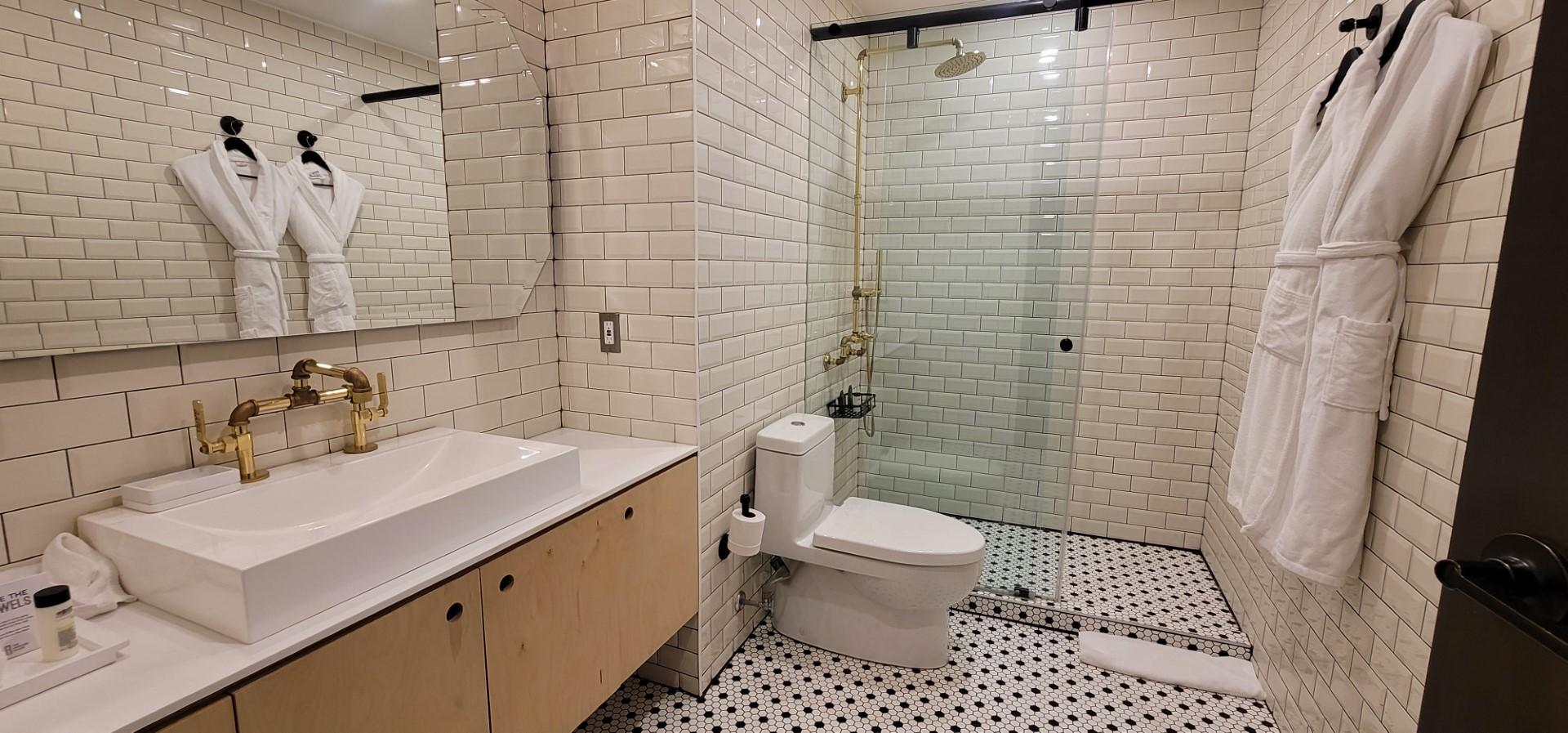 bathroom at best momcation in Toronto